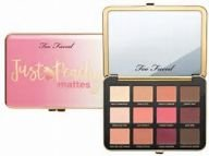 Just Peachy Velvet Matte paleta- Too Faced
