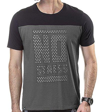 Camiseta Recorte Estampa Frontal No Stress Mescla Escuro