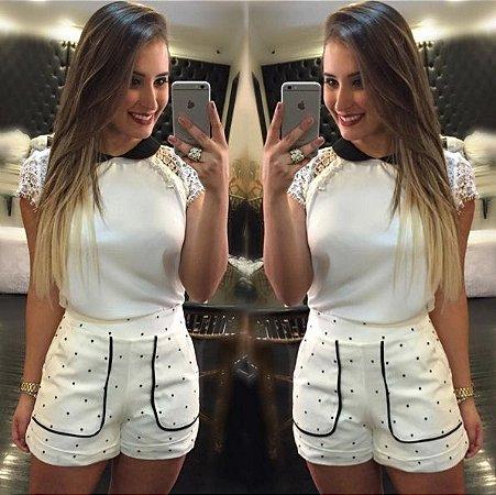 Conjunto Blusa Branca com gole Preta e Short de Poa - únicas