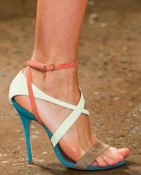 Sandália Salto Fino Trivê