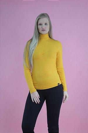 Blusa canelada gola alta amarela