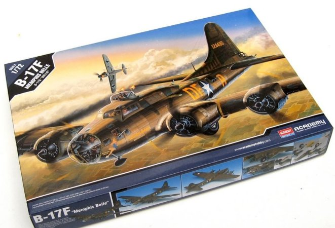 """Academy - B-17F Flying Fortress """"Memphis Belle"""" - 1/72"""