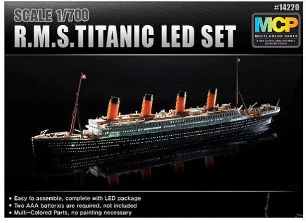 Academy - RMS Titanic with LED Lighting Set - 1/700