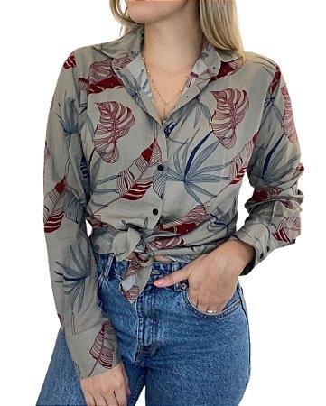 Camisa Feminina Viscose Estampa Folhagens Azul e Vermelho
