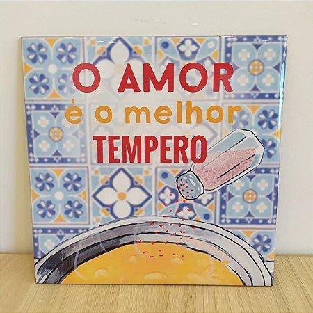 """Azulejo 20 x 20 """"o amor é o melhor tempero"""" vermelho e laranja"""