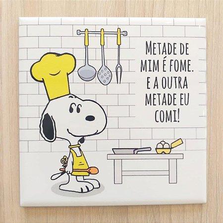 """Azulejo 15 x 15 - Snoopy """"Metade de mim é fome"""" amarelo"""