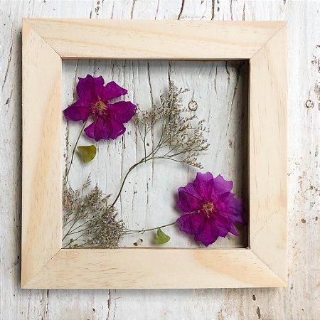 Quadro de Flores Naturais - 2 flores roxas e planta seca