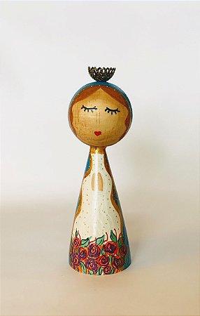 Boneca de madeira Virgem Maria