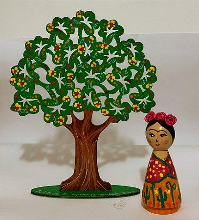 Frida e arbol da esperanza