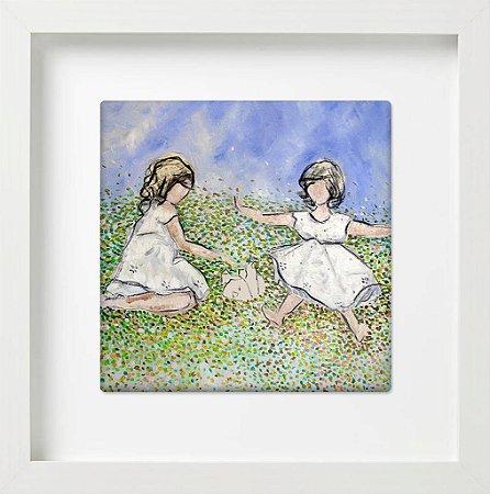 Meninas em Fundo Azul