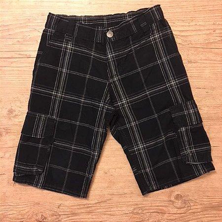 WRANGLER bermuda cargo preta com madras com regulagem na cintura 8 anos