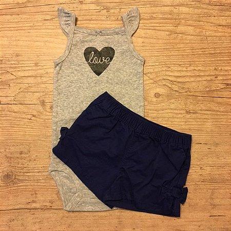 CARTERS conjunto body cinza LOVE + short marinho 9 meses