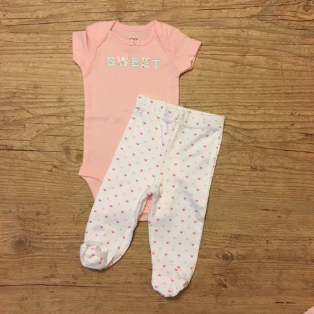 CARTERS conjunto body rosa SWEET + calça coracoes NB