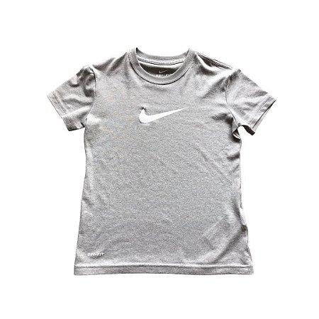 NIKE camiseta cinza lisa 6-8 anos