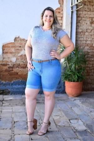 Bermuda Feminina Plus Size Meia Coxa