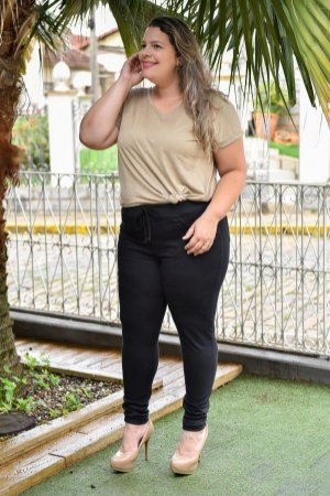 Calça Feminina Plus Size Sarja Esportiva