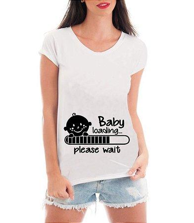 Camiseta Feminina Gestante Bebê Carregando -  Personalizadas/ Customizadas/ Estampadas/ Camiseteria/ Estamparia/ Estampar/ Personalizar/ Customizar/ Criar/ Blusas Baratas Modelos Legais Loja Online