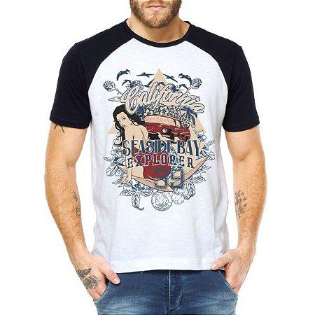 Camiseta Masculina Raglan Surf Praia California - Personalizadas/ Customizadas/ Estampadas/ Camiseteria/ Estamparia/ Estampar/ Personalizar/ Customizar/ Criar/ Camisa Blusas Baratas Modelos Legais Loja Online