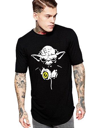 Camiseta Long Line Oversized Masculina Mestre Yoda Star Wars Camisetas Barra Curvada - Camisetas Personalizadas/ Customizadas/ Estampadas/ Camiseteria/ Estamparia/ Estampar/ Personalizar/ Customizar/ Criar/ Camisa Blusas Baratas Modelos Legais Loja Online