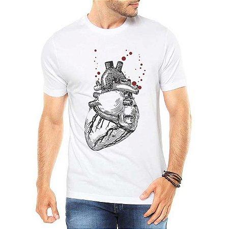 Camiseta Masculina Coração Realista - Personalizadas/ Customizadas/ Estampadas/ Camiseteria/ Estamparia/ Estampar/ Personalizar/ Customizar/ Criar/ Camisa Blusas Baratas Modelos Legais Loja Online