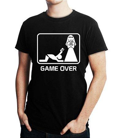 Camiseta Masculina Game Over Casamento - Personalizadas/ Customizadas/ Estampadas/ Camiseteria/ Estamparia/ Estampar/ Personalizar/ Customizar/ Criar/ Camisa Blusas Baratas Modelos Legais Loja Online