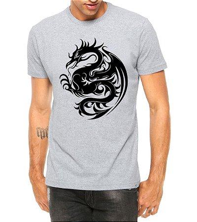 Camiseta Masculina Dragão Tribal Tattoo Cinza - Personalizadas/ Customizadas/ Estampadas/ Camiseteria/ Estamparia/ Estampar/ Personalizar/ Customizar/ Criar/ Camisa Blusas Baratas Modelos Legais Loja Online