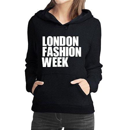 Moletom Feminino London Fashion Week Branco - Moletons Personalizados Blusa/ Casacos Baratos/ Blusão/ Jaqueta Canguru