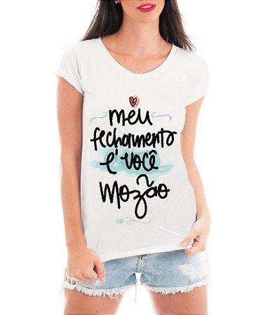 T-shirt Feminina Branca Meu fechamento é você mozão - Frases Engraçadas Personalizadas/ Customizadas/ Estampadas/ Camiseteria/ Estamparia/ Estampar/ Personalizar/ Customizar/ Criar/ Camisa T-shirts Blusas