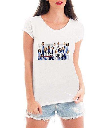 T-shirt Feminina Frente BRANCA Greys Anatomy Integrantes Médicos Seriado Série- Personalizadas/ Customizadas/ Estampadas/ Camiseteria/ Estamparia/ Estampar/ Personalizar/ Customizar/ Criar/ Camisa Blusas Baratas Modelos Legais Loja Online