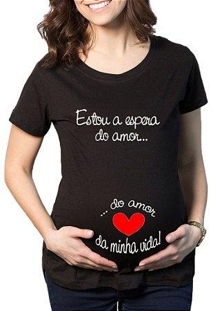 Camiseta Feminina Gestante Grávida A Espera -  Personalizadas/ Customizadas/ Estampadas/ Camiseteria/ Estamparia/ Estampar/ Personalizar/ Customizar/ Criar/ Camisa Blusas Baratas Modelos Legais Loja Online