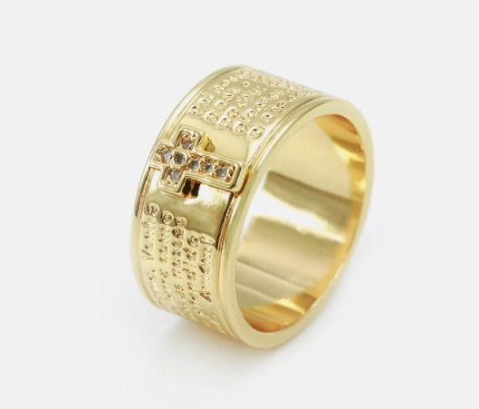 Anel Escrituras Sagradas Cravejado com micro zircônia  semijoias folheada ouro 18k.