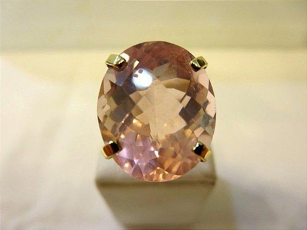 Anel de quartzo rosa em ouro amarelo 18k