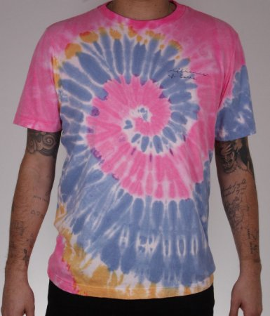 CAMISETA TIE DYE INFLUENCER OF LOVE  ROSA