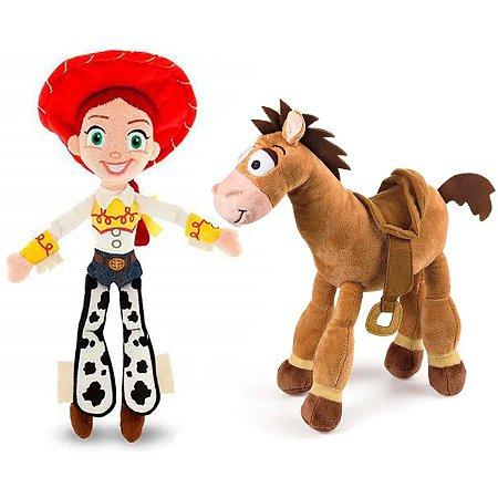 Jessie e Cavalo Toy Story Boneco de Pelúcia Bala no Alvo 30cm com Som