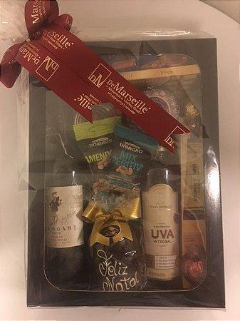 Kit Caixa com Vinho e Outros