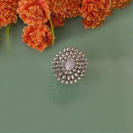 Anel ródio branco com cravação em zircônias luxo