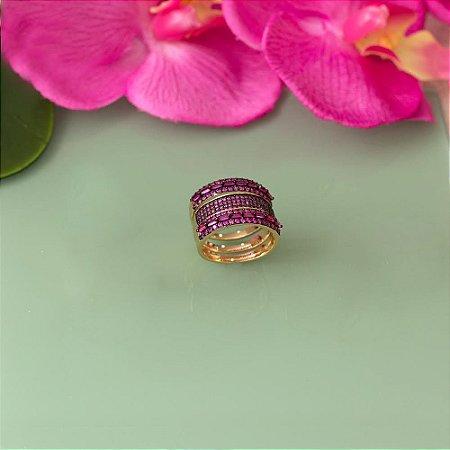 Trio de anéis dourado com cravação em zircônias rosa e navetes