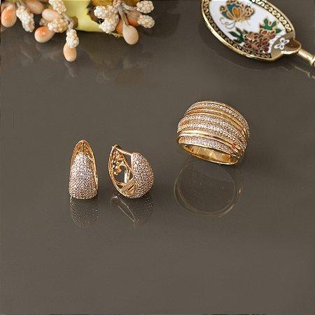 Anel dourado com fios de zircônias cristais