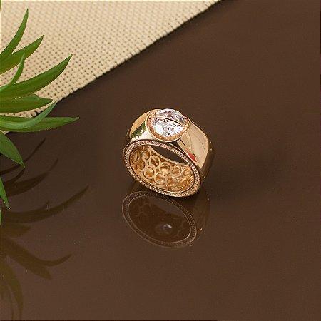 Anel dourado cravejado com micro zircônias e cristal
