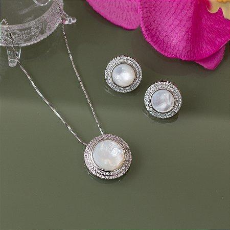 Conjunto ródio branco com cristal madrepérola e cravação em micro zircônias