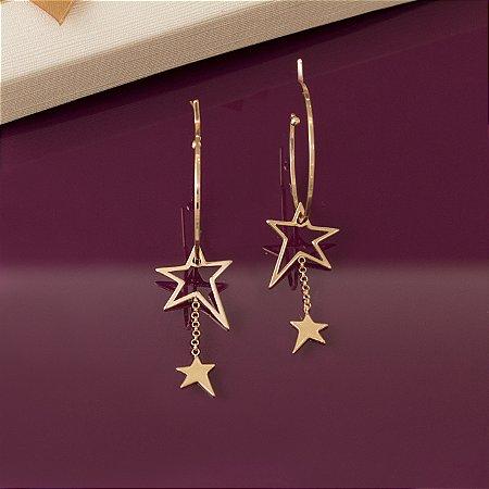 Argola dourada com pingente duo de estrela
