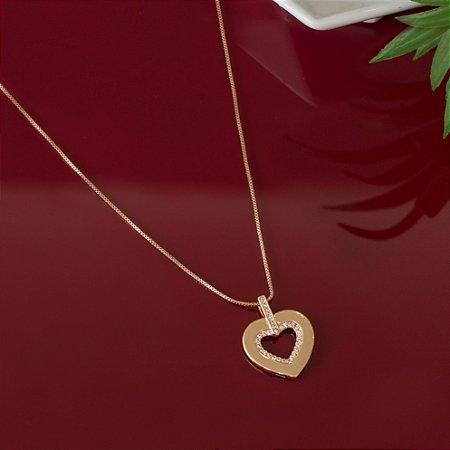 Colar dourado coração vazado cravejado com zircônias