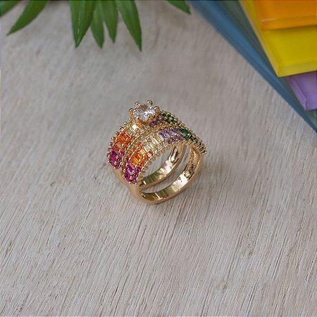 Anel solitário com aparador cravejado com navetes cristais coloridos