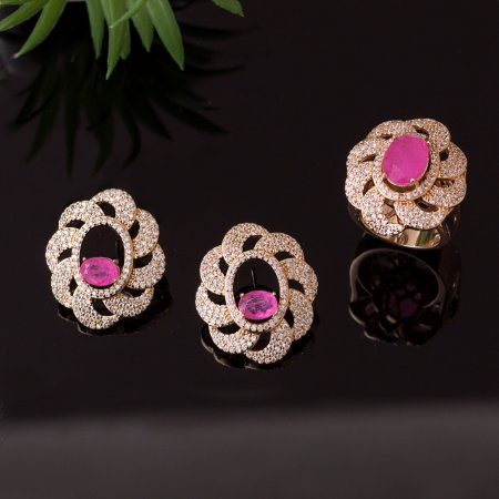 Brinco floral cravejado com zircônias e cristal quartzo rosa