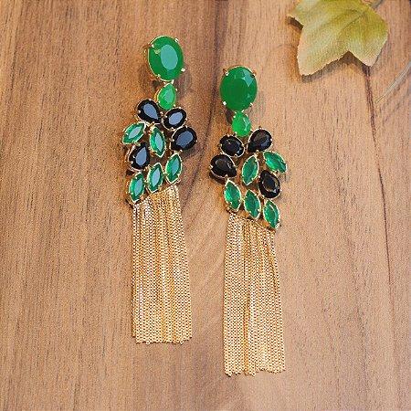 Brinco dourado de franja com cristal ônix e verde esmeralda
