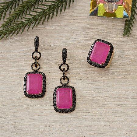 Brinco dourado com cristal rosa fusion e cravação em zircônias negras