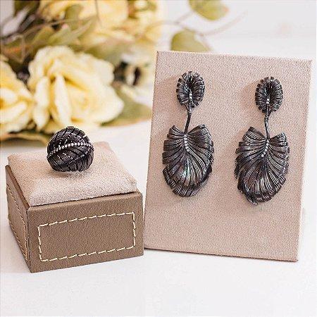 Anel folha ródio negro e detalhes em zircônias cristais