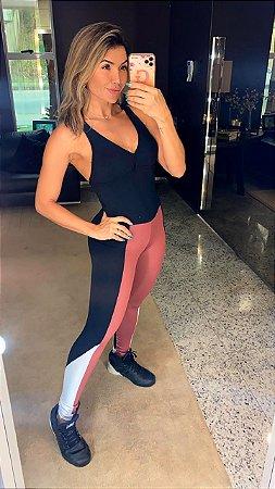 Macacão Fitness Preto e Blush