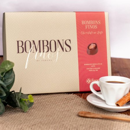ESTOJO BOMBONS FINOS CHOCOLATE AO LEITE DECORADO 90g