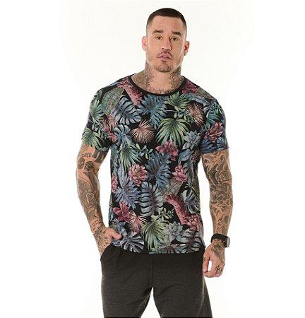Camiseta Algodão Slim Full Corrosão Folhagens Colorida Preto